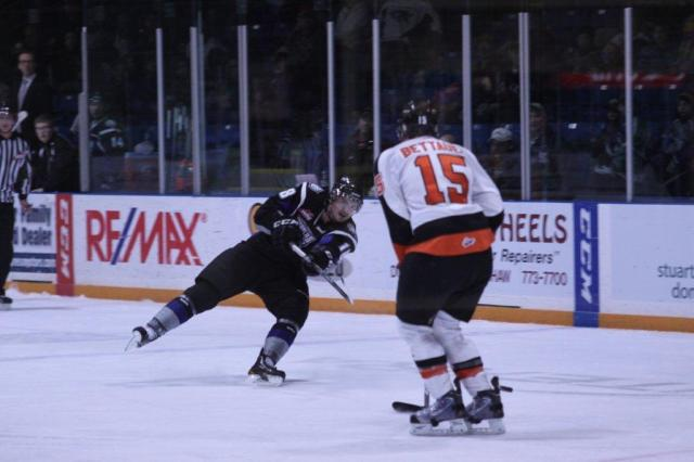 Daniel Dale against the Tigers last season (Photo by Darwin Knelsen)