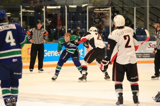 Nikkel fights Penner (photo by Darwin Knelsen for scbroncos.com)