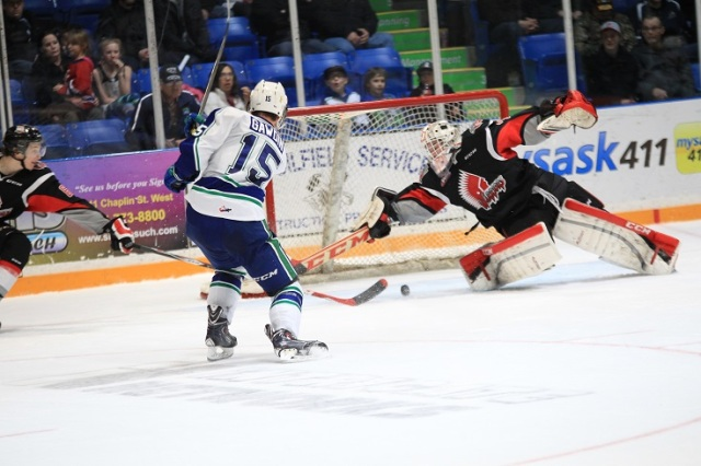 Glenn Gawdin scores (photo by Darwin Knelsen for scbroncos.com)