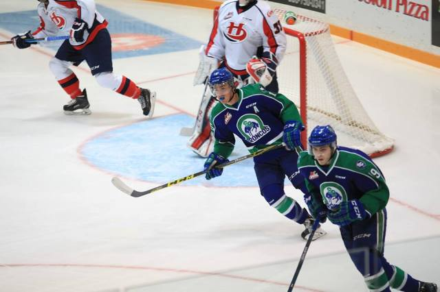 Glenn Gawdin and Jake DeBrusk (photo by Darwin Knelsen for scbroncos.com)