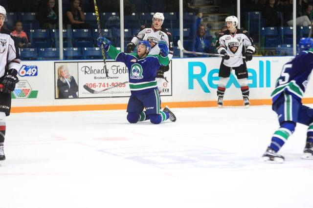 Jon Martin scores his hat trick (photo by Darwin Knelsen for scbroncos.com)